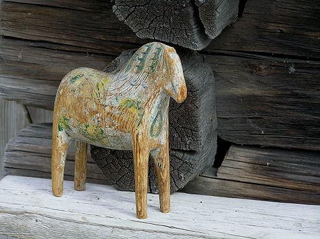Wooden horse Lisa 1.jpg